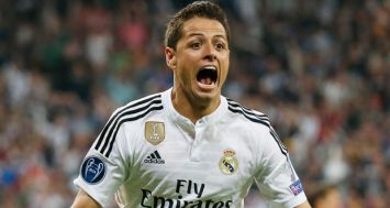 L'attaquant mexicain du Real Madrid Chicharito exulte après son but face à l'Atletico Madrid, le 22 avril 2015 à Santiago Bernabeu.