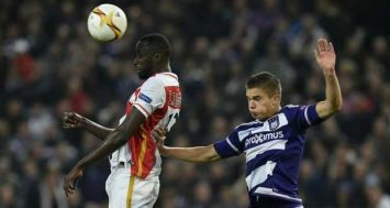 Le Monégasque Lacina Traoré (g) face à Anderlecht en Europa League, le 17 septembre 2015 à Bruxelles. [Photo: AFP]