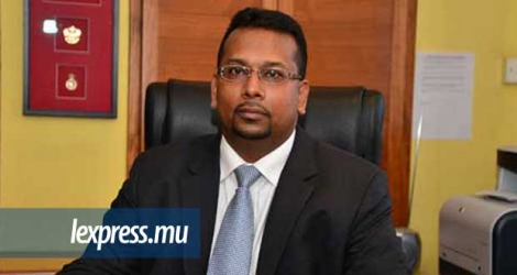 Lutchmyparsad Aujayeb reprend ses fonctions d'«Assistant Parliamentary Counsel» au State Law Office.