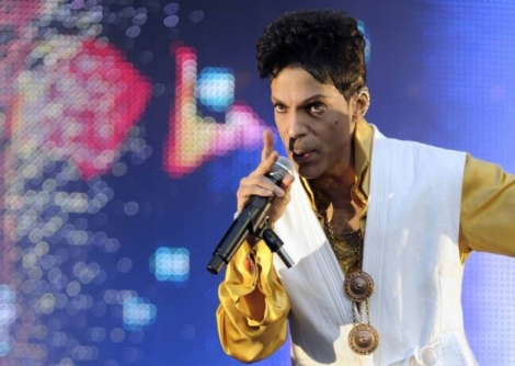 Le chanteur Prince le 30 juin 2011 au Stade de France à Saint-Denis ( AFP/Archives / BERTRAND GUAY )