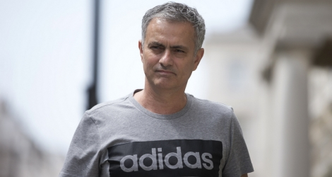 Manchester United's new Portuguese manager Jose Mourinho returns to his home in central London on May 27, 2016.