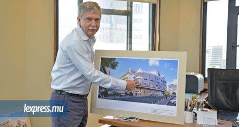 René Leclézio, Executive Director de Caudan Development Ltd, a dévoilé une impression d'artiste de la troisième phase du Caudan Waterfront.