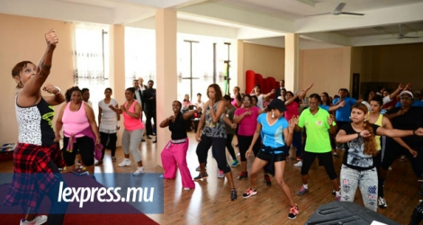 Une Fitness and Wellness Activity, initiative de la Commission nationale du sport féminin a eu lieu au Bois-Chéri Multi-Purpose Hall, à Moka, ce jeudi 13 octobre.
