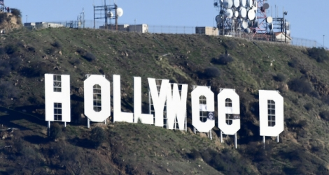 L'homme qui avait détourné en «Hollyweed» les célébrissimes lettres géantes blanches «HOLLYWOOD» sur les hauteurs de Los Angeles, la nuit du jour de l'An, a été arrêté lundi.