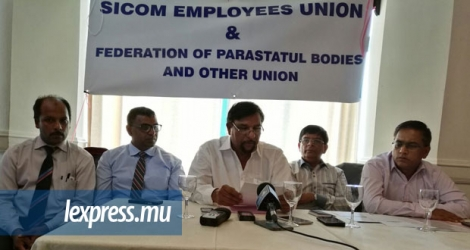 Les membres de la SICOM Employees Union lors d'un point de presse à Port-Louis, mardi 17 janvier.