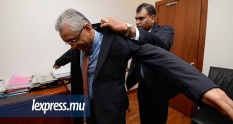 Pravind Jugnauth endosse la veste de PM. (Photo: Krishna Pather)