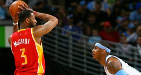 Tracy McGrady, alors sous le maillot des Houston Rockets, face à Carmelo Anthony (alors Denver Nuggets), le 16 décembre 2016 à Denver.