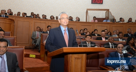 "In the 2016-2017 Budget that he presented on the 29th July 2016, Pravind Jugnauth promised that ""some 21,400 youths, men and women will be taken out of unemployment"" thanks to the various measures that he announced."