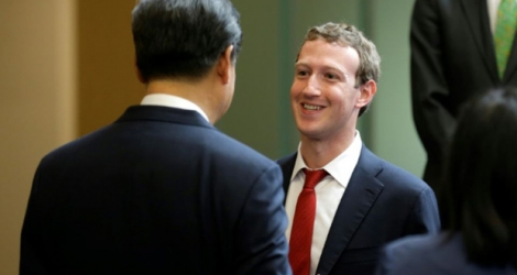 Le président chinois Xi Jinping (g) et le patron de Facebook, Mark Zuckerberg, le 23 septembre 2015 à Washington.