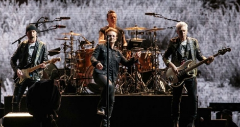 Le groupe U2 et son chef de file Bono lors d'un concert le 23 mai 2017 à Houston, au Texas