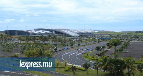 Le SSR International Airport est devancé par l'aéroport de Casablanca.