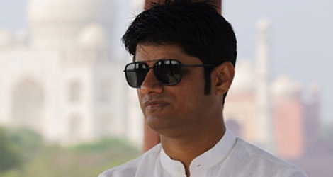 Un adolescent accuse le producteur bollywoodien Sandeep Vinodkumar Singh d'agression sexuelle.