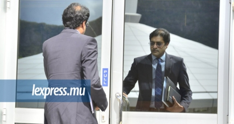 Ken Poonoosamy, ex-directeur du Board of Investment, à son arrivée à l'Independent Commission against Corruption.