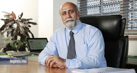 Teddy Bhullar est le Chief Executive Officer d'Emtel.