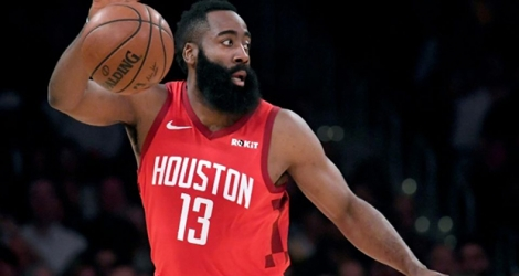James Harden des Houston Rockets contrôle le ballon face aux Los Angeles Lakers en NBA au Staples Center, le 21 février 2019