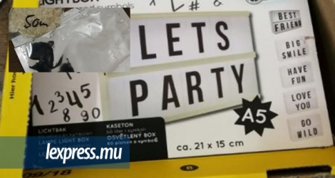 La drogue était caché dans un gadget en plastique portant la mention «Let's Party.»