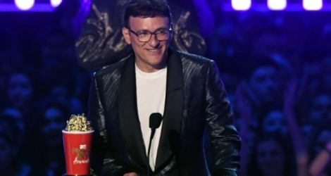 Le réalisateur américain Anthony Russo reçoit les «popcorns dorés» des MTV Movie & TV Awards, à Santa Monica (Californie) le 15 juin 2019, pour le carton planétaire «Avengers: Endgame».