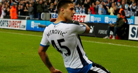 L'attaquant serbe Aleksandar Mitrovic, alors à de Newcastle, lors d'un match de Premier League face à Norwich, à Newcastle, le 18 octobre 2015.
