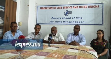 La Federation of civil service and other unions, lors d'une conférence de presse à Port-Louis, jeudi 24 octobre.