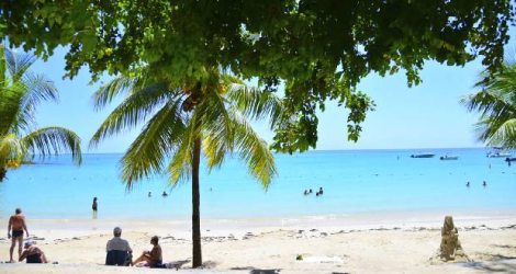 According to government surveys of tourists after they had completed their stays in Mauritius, in 2016 only 1 percent said that they would recommend visiting Mauritius to their friends and relatives. In 2017, that number had grown to 10 percent.