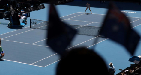 Des spectateurs assistent à un quart de finale du tableau féminin de l'Open d'Australie, le 28 janvier 2020 à Melbourne Photo DAVID GRAY. AFP