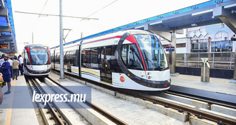 The responsibility for managing the Electric Bus feeder services should rest on Metro Express.