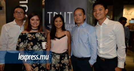 Lewis Cheung, Head of Retail à Exotic Ltd, Emilie Oogarah, Marketing et Communication Manager d'Exotic Group, Bernadette Tsan, Brand Manager Quiksilver, Jay Tsan, CEO Exotic Group, et Jason Tsan, Project Manager.