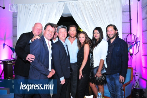 Les producteurs Carsten Lorenz, Guy Heeley et Andreas Habermeyer, Jean Jacques Fung, Head of Large Corporates à Afrasia Bank, les acteurs Matthew McConaughey et Diane Lane, Diya Dewoo, Relationship Manager chez AfrAsia Bank, et le producteur Greg Shapiro.