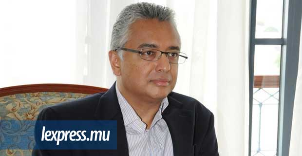 (Photo d'archives) Pravind Jugnauth intente un procès en diffamation à l'État et à l'assistant commissaire de police Pregassen Vuddamalay.