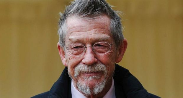 l 39 acteur britannique john hurt est mort. Black Bedroom Furniture Sets. Home Design Ideas