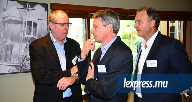 Nicolas Maigrot, Managing Director, Louis D. Koenig, Head Management & Admin., et Henry Harel, Group Chief Finance Officer.