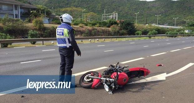 Photo d'illustration : la collision a eu lieu entre une moto et une fourgonnette