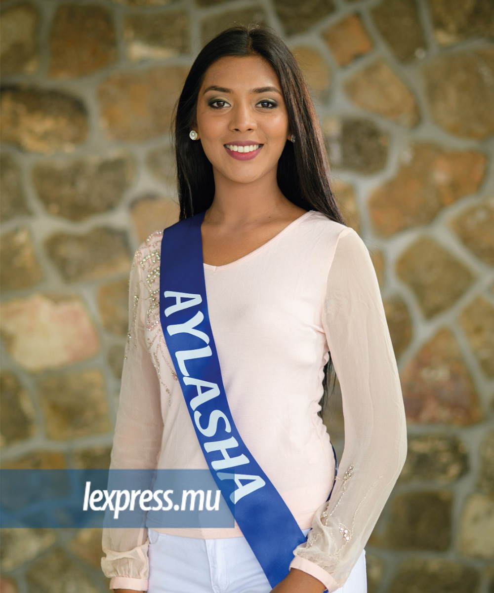 RAMRACHIA Aylasha (Flacq) Age: 23 Height: 1m66 Qualification: HSC A' Level Occupation: Model & Teacher pre‐primary school Ambition: To take care of elderly people Talent: Cooking Sport Practised: Gym, Tennis, Swimming, Volley